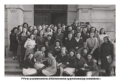 Osnivanje « Škole za nudilje » 1921.godine u označilo je početak profesionalnog sestrinstva u Srbiji